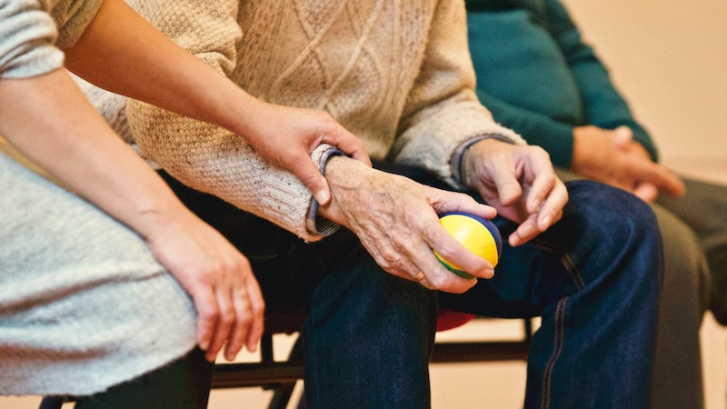 Elderly person experience dementia at a memory care facility